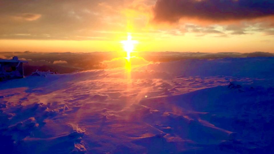 Muntele Mic-locul unde cerul vorbeste in o mie de culori