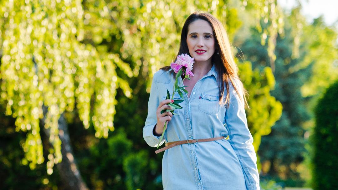 Feminina si rebela:cum purtăm rochia din denim?