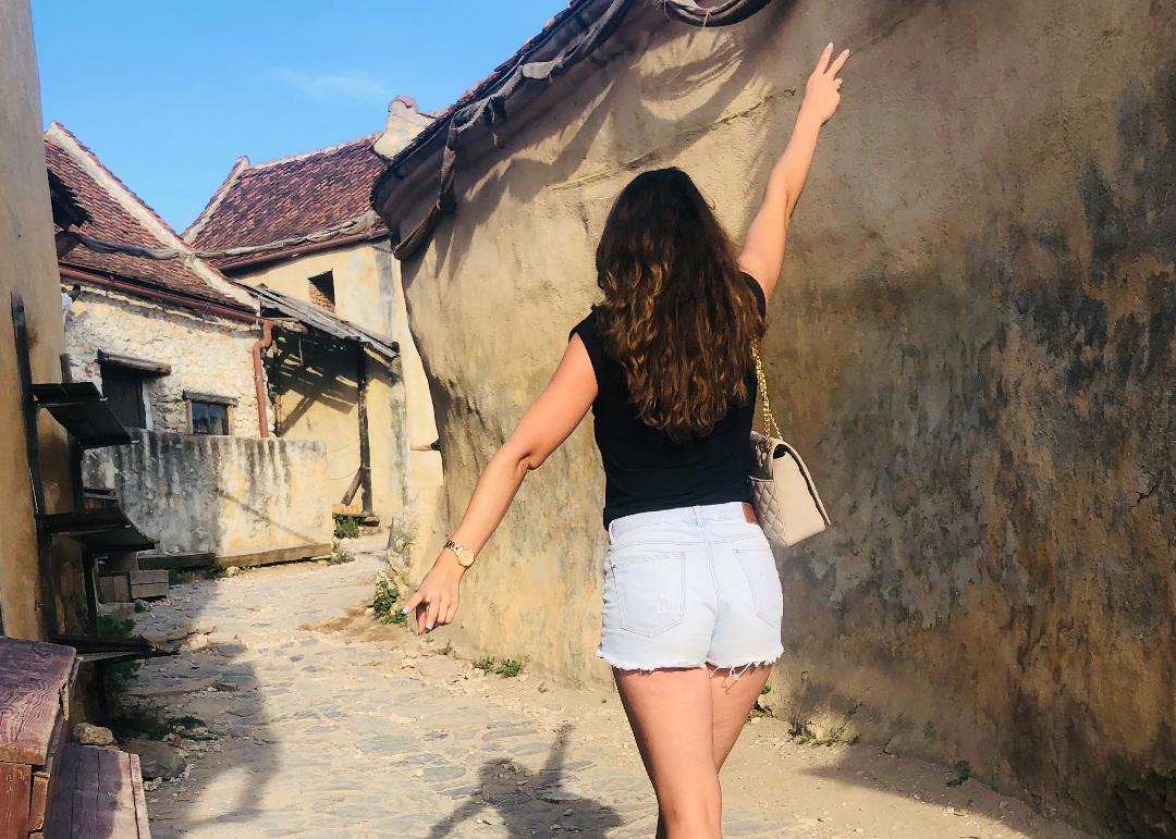 Cetatea Râșnov: turist în România